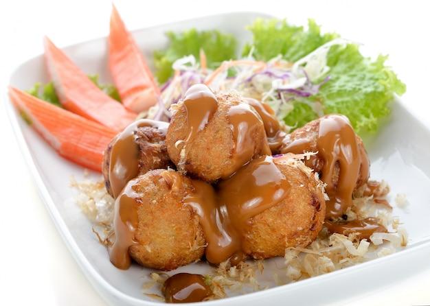 Takoyaki, krakenbälle, japanisches lebensmittel, selektiver fokus