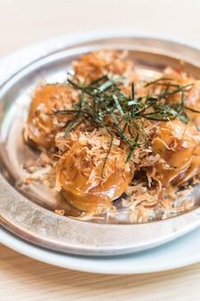 Takoyaki oder tintenfischbällchen