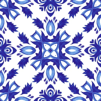 Talavera keramik handgezeichnete fliese nahtlose dekorative aquarellfarbe muster. kreuzmotiv mediterran. keramikfliesen-design im portugiesischen stil