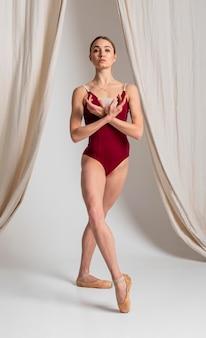 Talentierte ballerina leistung vollschuss