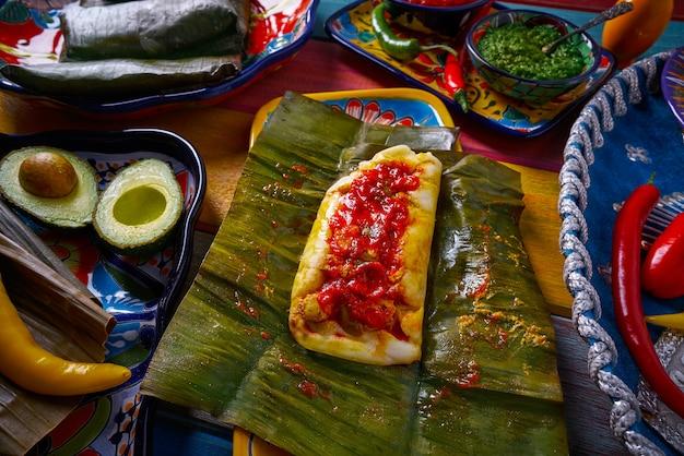 Tamale mexikanisches lebensmittelrezept mit bananenblättern