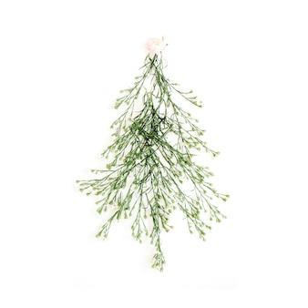 Tannenbaum aus wildblumen. weihnachten oder neujahr.