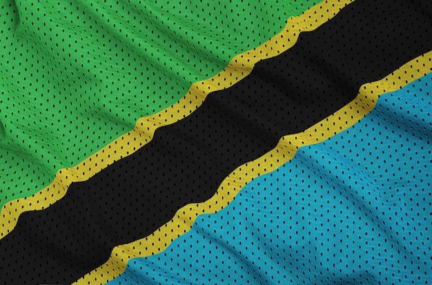 Tansania-flagge auf einem sportswear-netzgewebe aus polyester-nylon