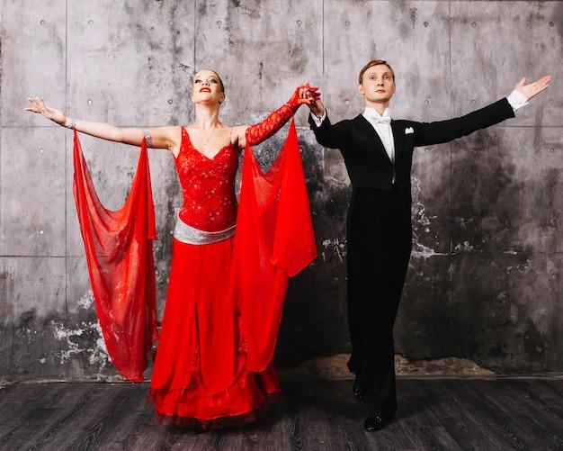 Tanzpaar nach der vorstellung