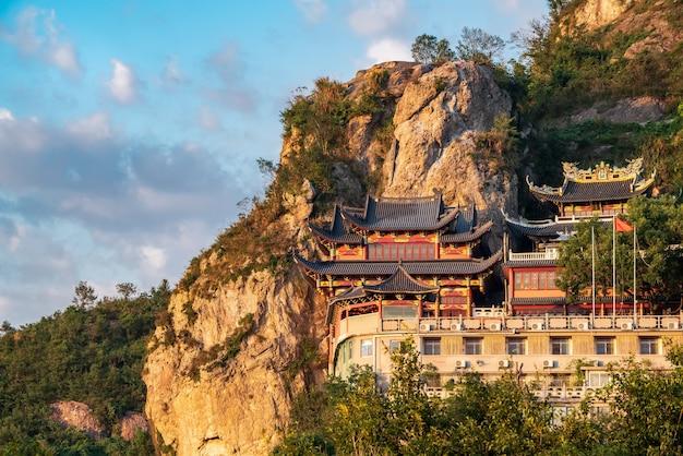 Taoistischer tempel am ou-fluss in wenzhou