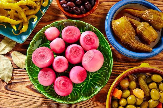 Tapasgurken mischen oliven chili zwiebel auberginen