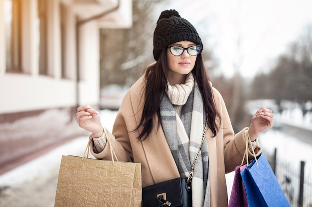 Taschen einkaufen frau straße mädchen