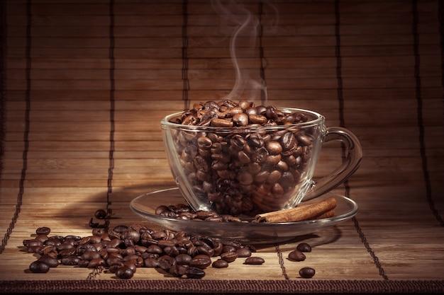 Tasse kaffee dämpfen