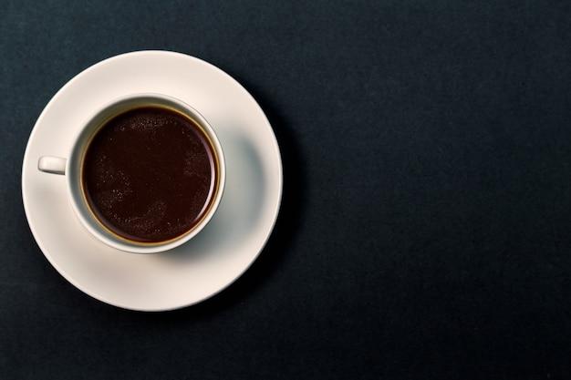 Tasse kaffee draufsicht schließen