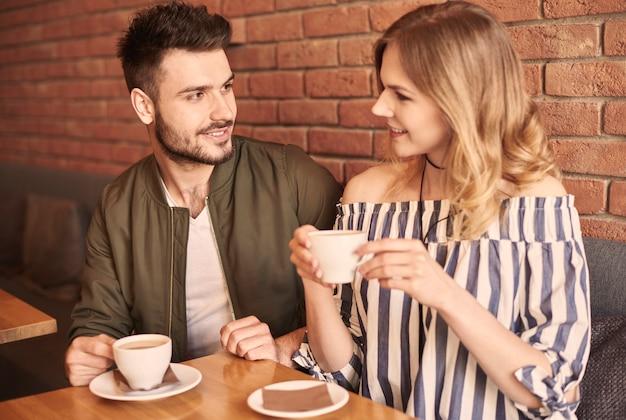 Tasse kaffee mit deinem partner
