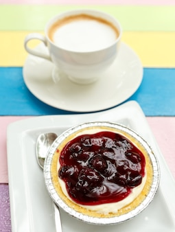 Tasse kaffee und dessert