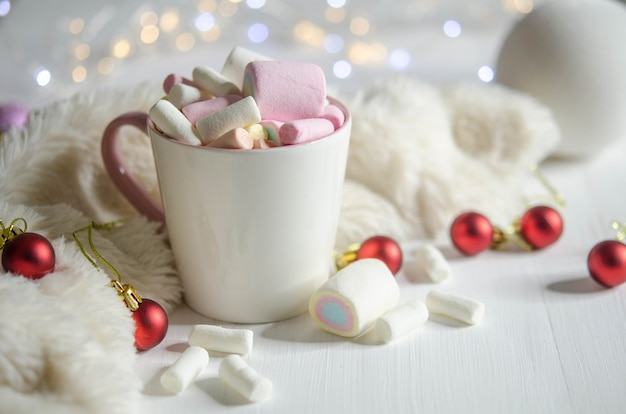 Tasse mit marshmallows