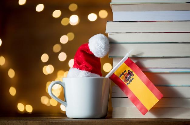 Tasse mit spanischer flagge