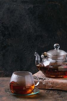 Tasse schwarzer tee