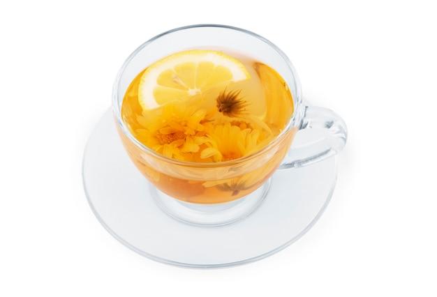Tasse tee isoliert auf weiß