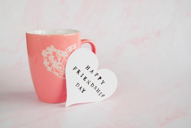 Tasse und postkarte mit wunsch