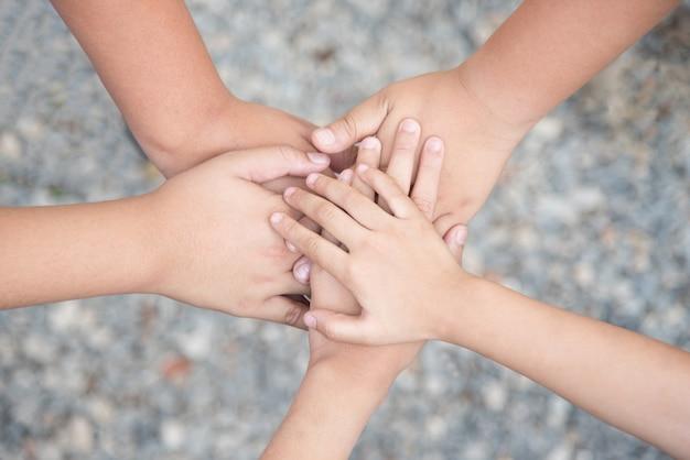 Teamarbeit zusammen mit spirit konzept
