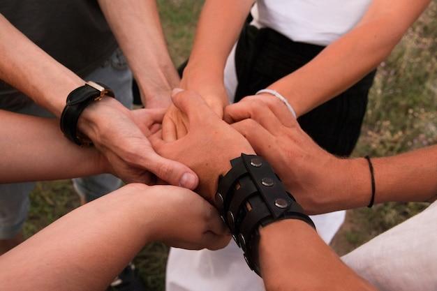 Teambuilding-sieg zur stärkung des teamgeistes der mitarbeiter des handelsunternehmens für die geschäftsentwicklung