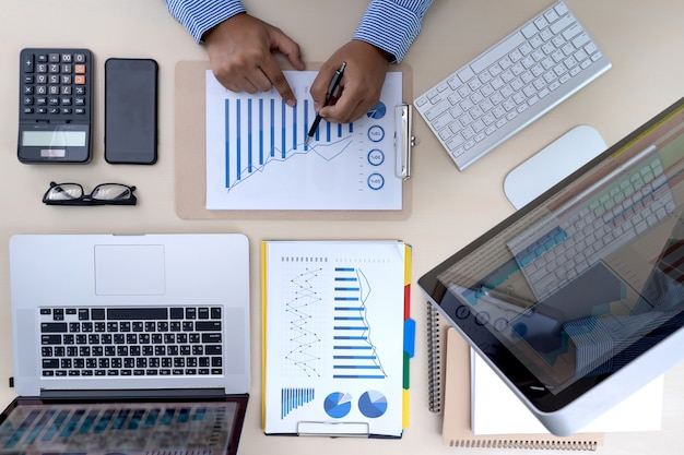 Teamwork berichtet das rechnungswesenkonzept, das finanziell analysiert