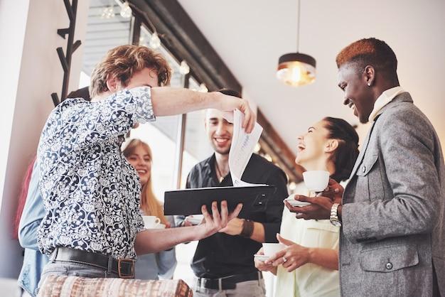 Teamwork-brainstorming-konzept