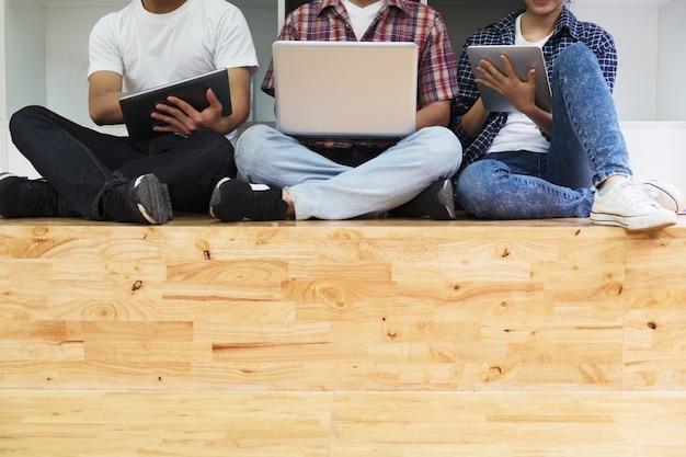 Teamwork-konzept. coworking-prozess