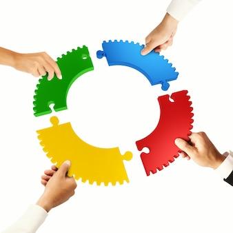Teamwork- und integrationskonzept mit puzzleteilen