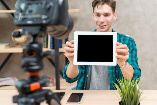 Tech vlogger
