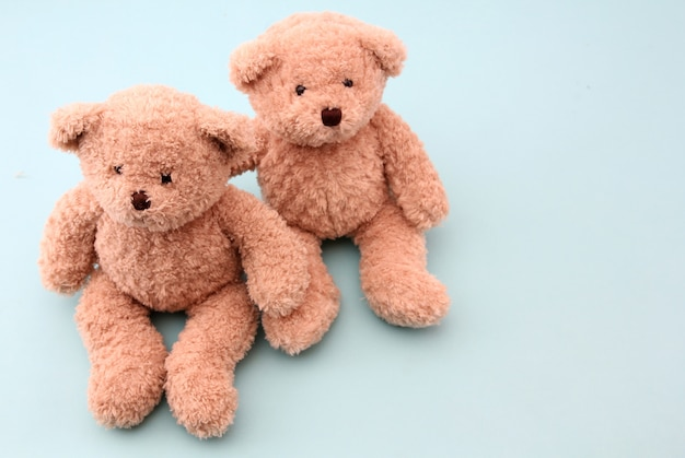 Teddybär auf blau