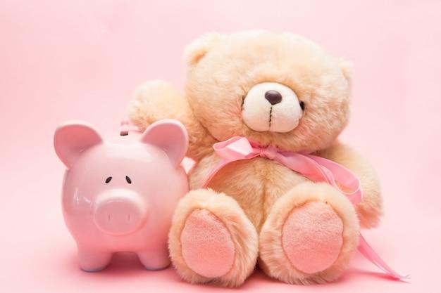 Teddybär und sparschwein