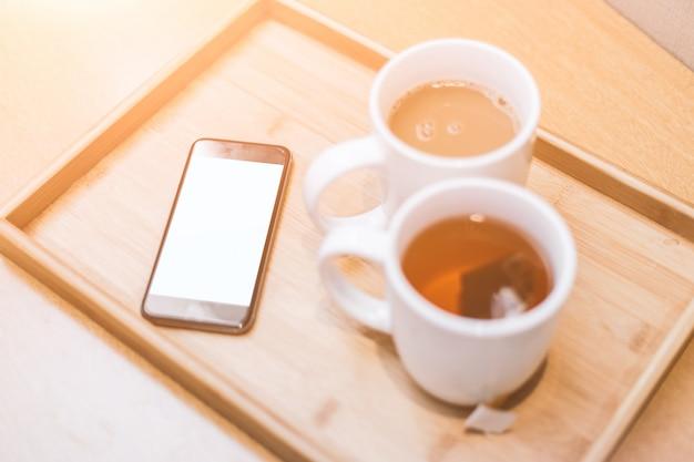 Tee, kaffee und handy