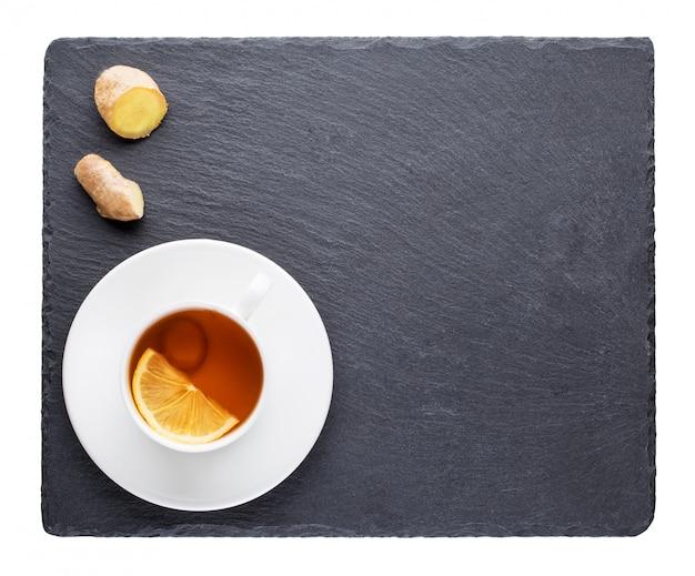 Tee mit der zitrone- und ingwerwurzel