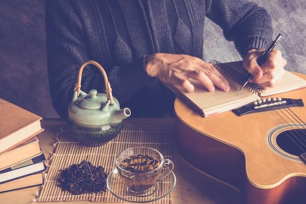 Tee und musik