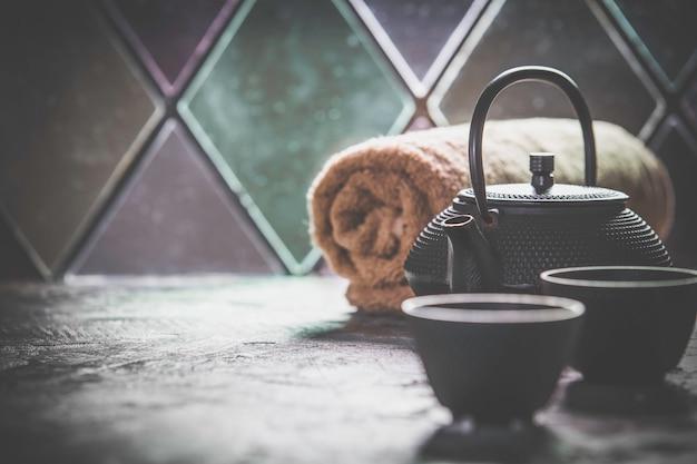 Tee und spa zusammensetzung. naturkosmetik und wellnesskonzept.