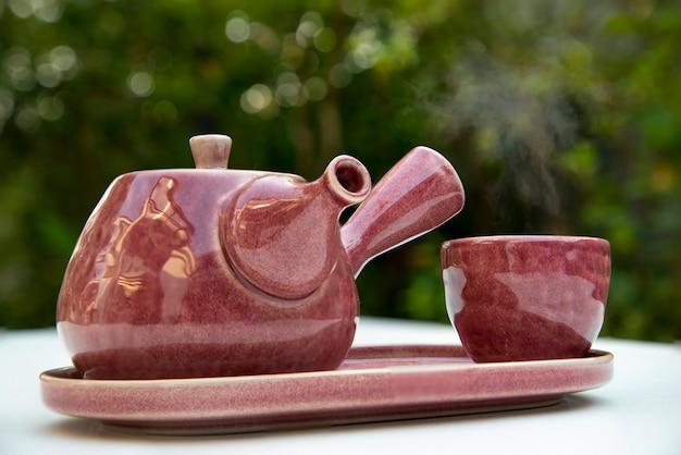 Teekanne aus keramik