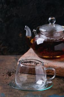 Teekanne schwarzer tee
