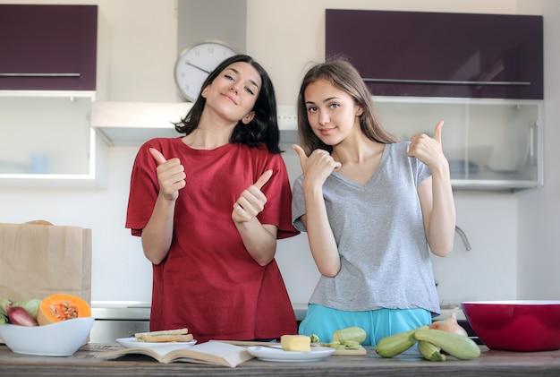 Teen girls, die spaß haben