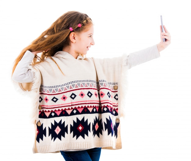 Teenager-mädchen, das ein selfie macht