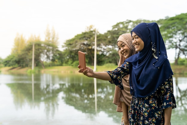 Teenager muslimischen selfie
