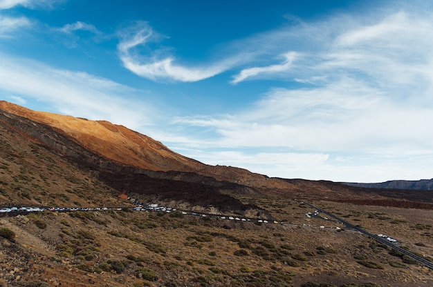 Teide national park. schöne aussicht auf den wüstenkrater der vulkanbergfelsen.