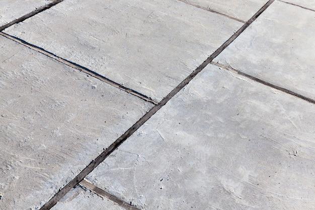 Teil einer betonstraße aus betonplatten