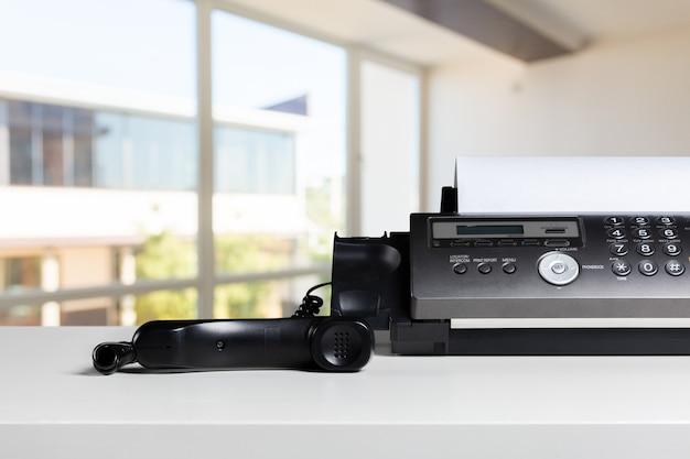 Telefon oder faxgerät