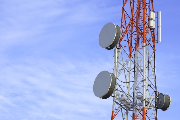 Telefonmast-technologie mobilfunk-basisstation-telekommunikationsturm
