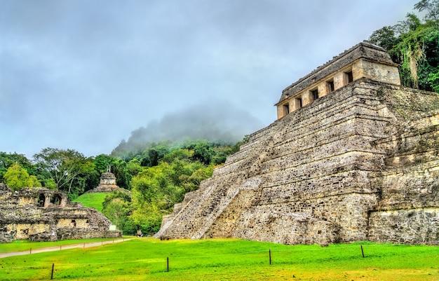 Tempel der inschriften in der maya-stadt palenque in mexiko