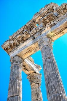 Tempel des dionysos in der antiken stadt pergamon, türkei