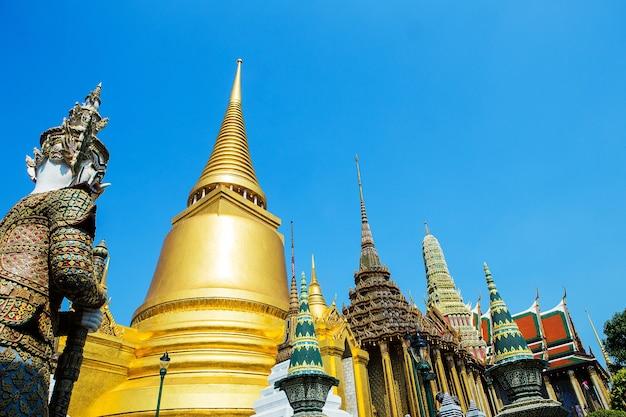 Tempel des smaragd-buddha oder wat phra kaew in bangkok,