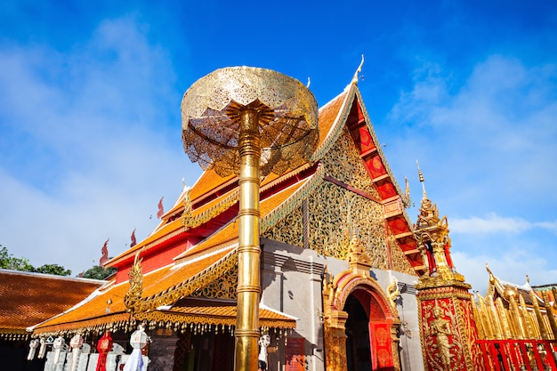 Tempel doi suthep temple in chiang mai in thailand