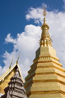 Tempel in phrae, thailand.