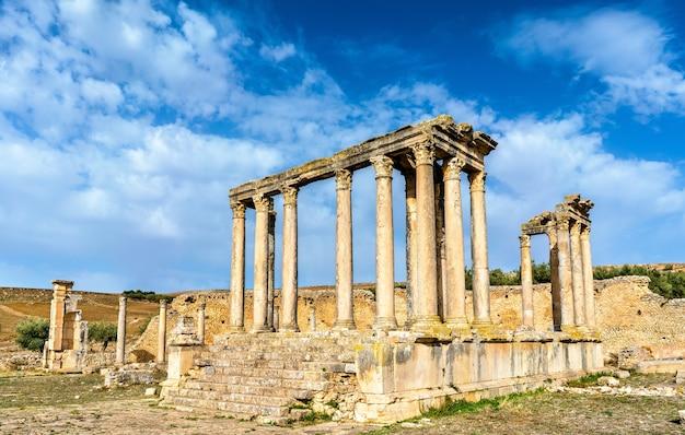 Tempel von juno caelestis in dougga, einer alten römischen stadt in tunesien. nordafrika