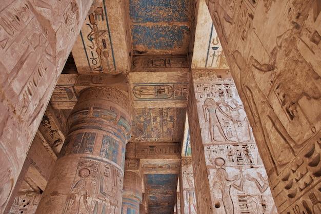 Tempel von medinet habu in luxor