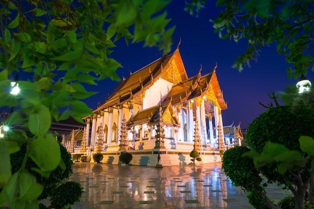 Tempel wat suthat thep wararam in bangkok thailand
